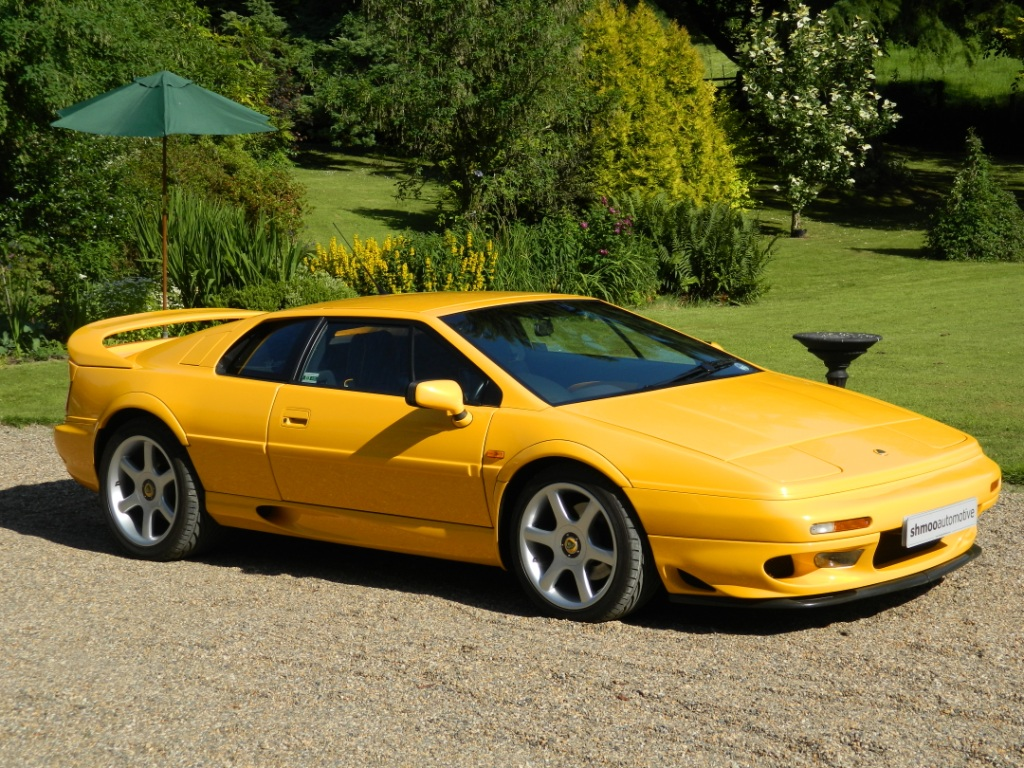 lotus esprit v8 gt only 27 000 miles flsh absolutely stunning example shmoo automotive. Black Bedroom Furniture Sets. Home Design Ideas