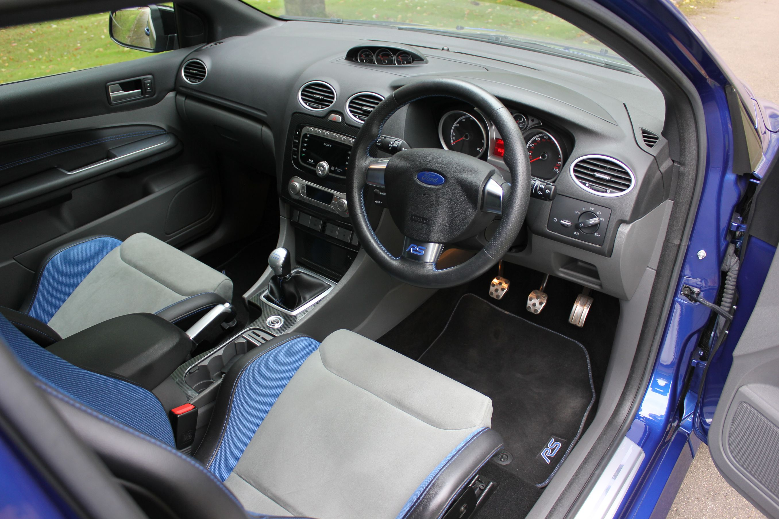 Ford Focus Rs Mk2 Stunning 1 Owner Car With 15 000 Miles Ffsh Shmoo Automotive Shmoo Automotive