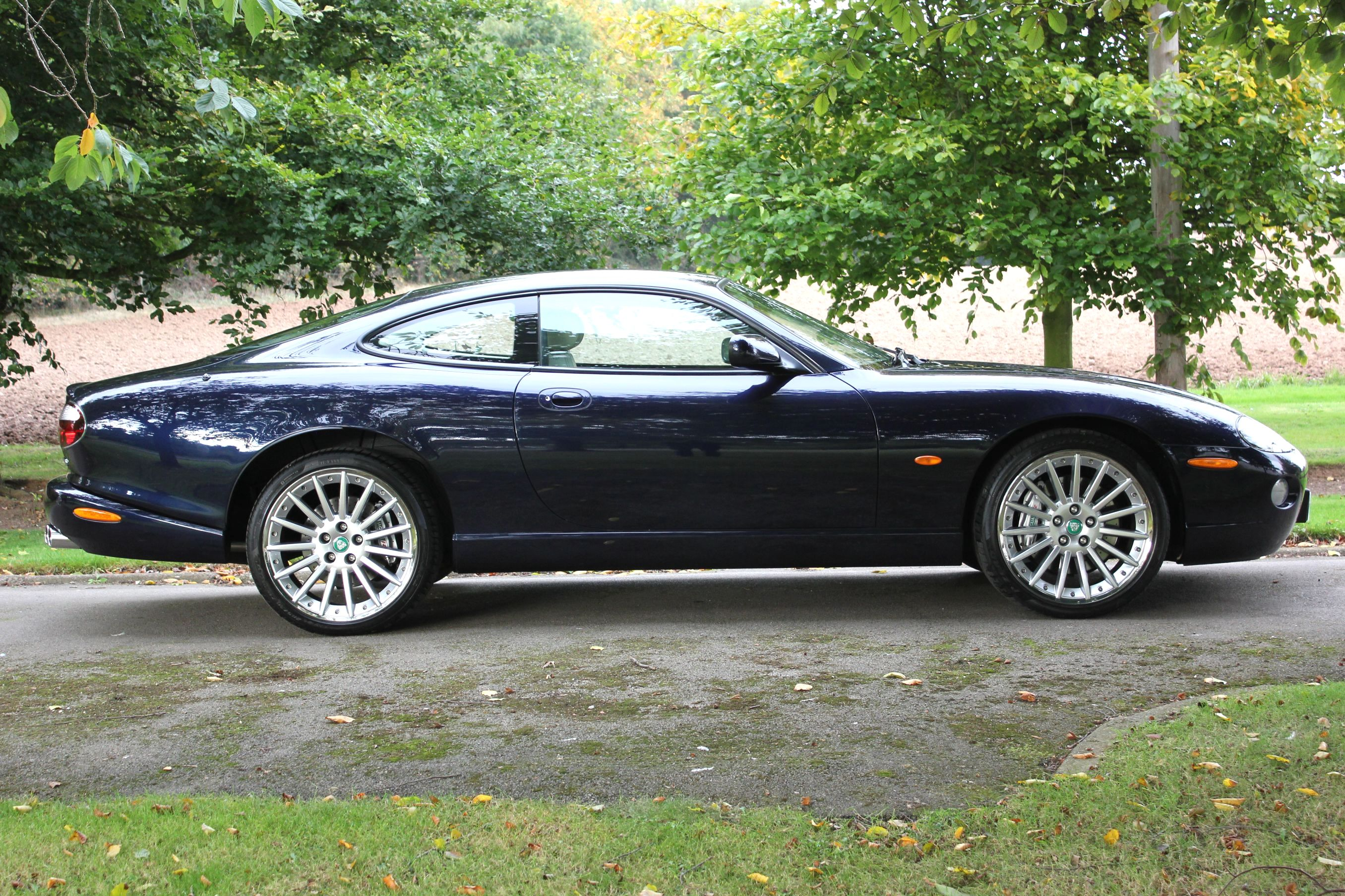 jaguar xk8 4 2s coupe the last cars off the production line shmoo automotive shmoo automotive. Black Bedroom Furniture Sets. Home Design Ideas
